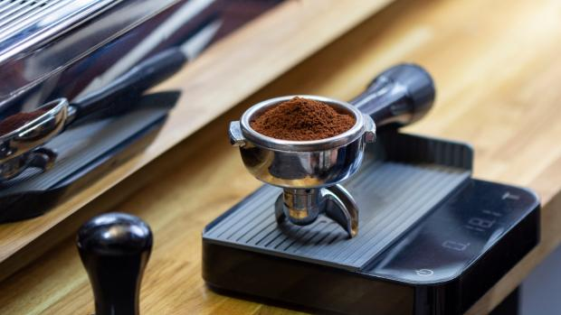 Knutsford Guardian: A kitchen scale can help you navigate the bean-to-water ratio for the perfect brew. Credit: Getty Images / Chepko