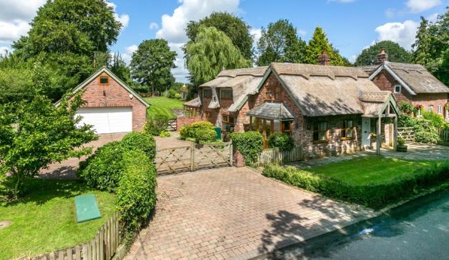 Pictures from Zoopla