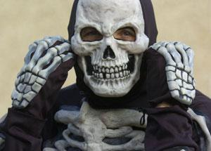 Knutsford Guardian: Paul Tollafield in the skeleton outfit he is planning to wear while running the Swindon Half-marathon Ref: 99280-70
