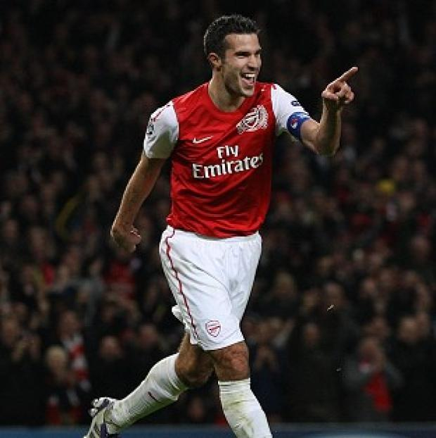 Manchester United are interested in signing Arsenal star Robin van Persie