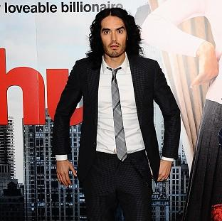 Russell Brand must complete community service for breaking a photographers phone