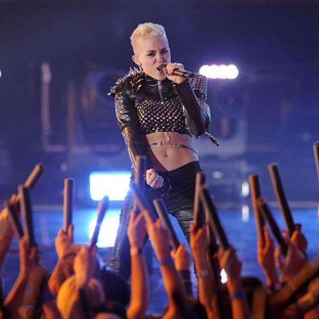 Miley Cyrus performs at VH1 Divas in Los Angeles