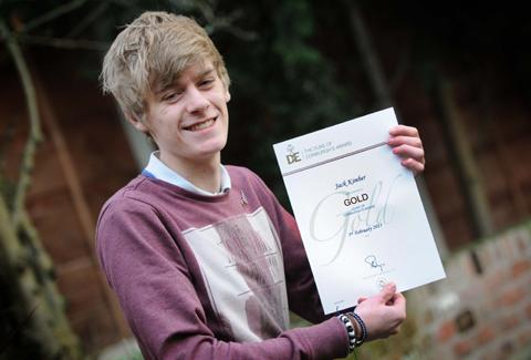 Knutsford Guardian: Jack Kimber shows his certificate       n130781