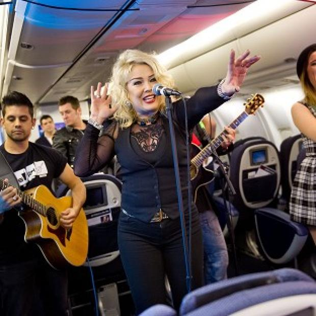Kim Wilde performs at 43,000 feet in aid of Comic Relief
