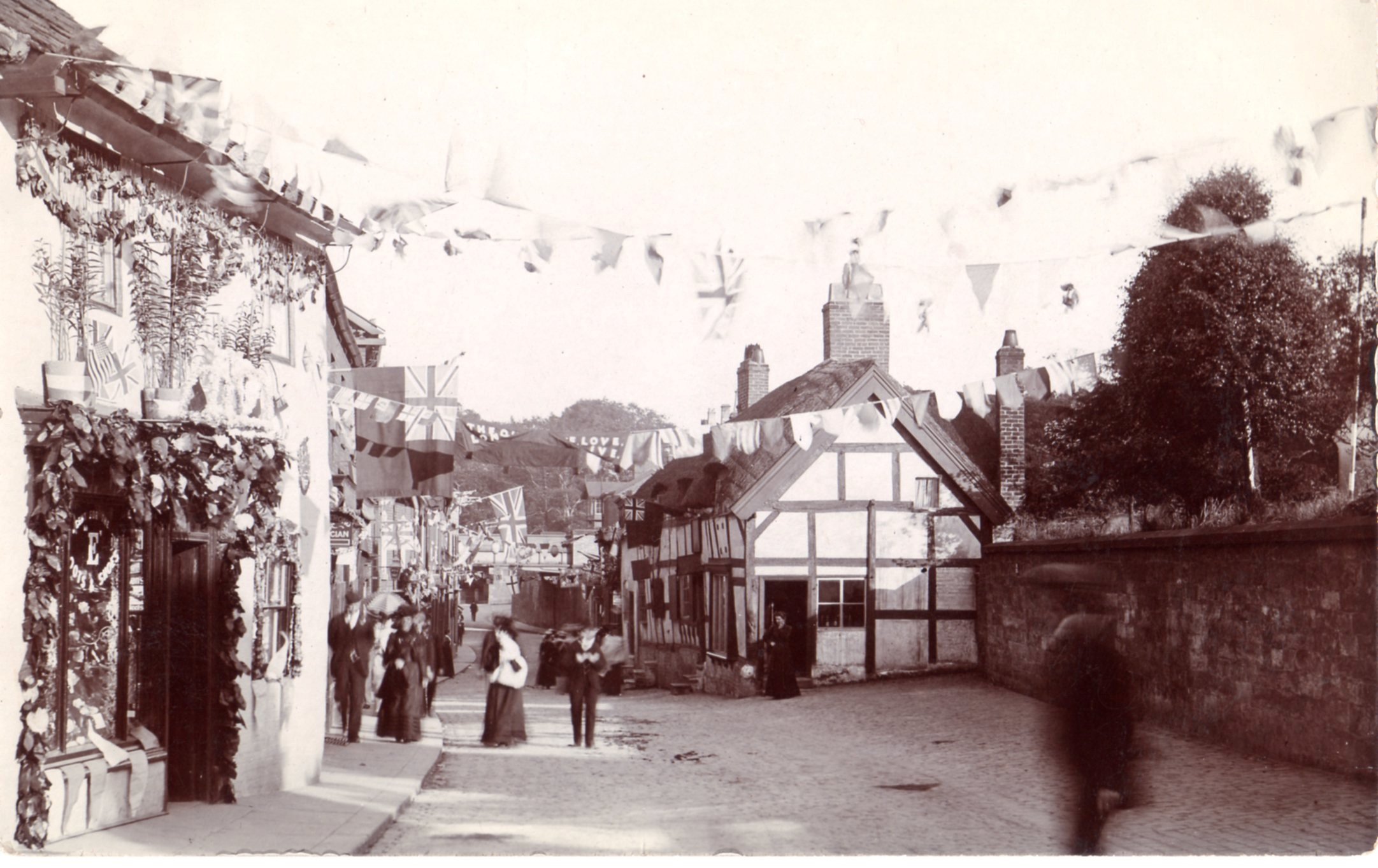 Knutsford's Royal May Day in times gone by