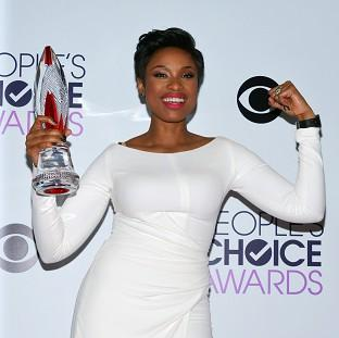 Knutsford Guardian: Jennifer Hudson with the award for favourite humanitarian