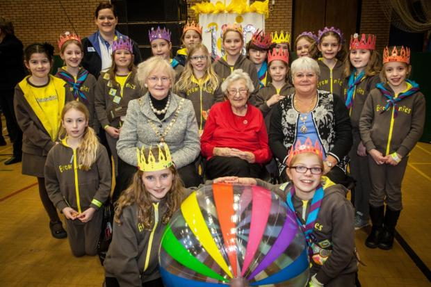 The 6th Knutsford Brownies group pictured (middle left-right) Mayor of Cheshire East Clr Dorothy Flude, Edna Robertshaw and Mayor of Macclesfield Clr Janet Jackson.. Photo credit: Jac Lee of Jac Lee Photography, Holmes Chapel
