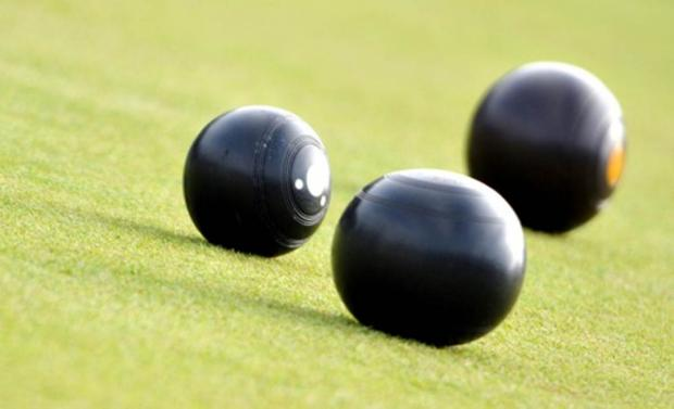 Knutsford Guardian: BOWLS: Third time lucky for Kath as she wins title
