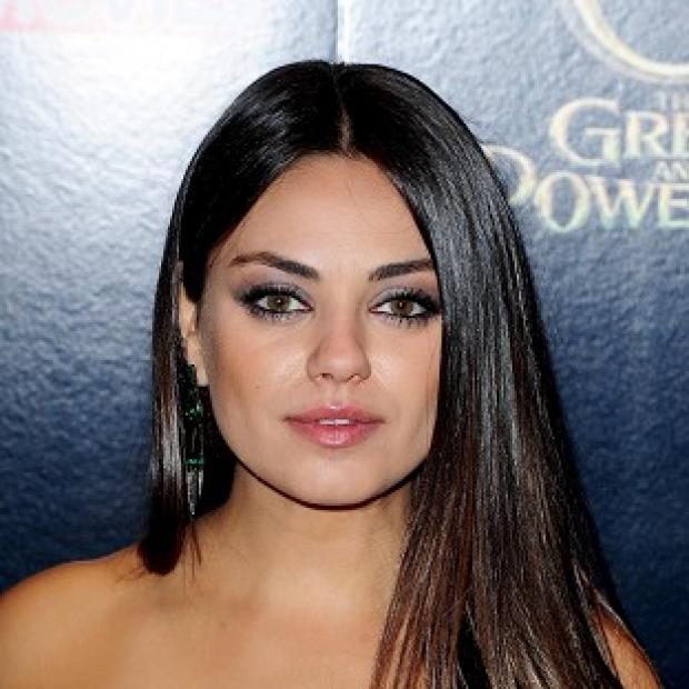 Knutsford Guardian: Mila Kunis is believed to have got engaged to Ashton Kutcher