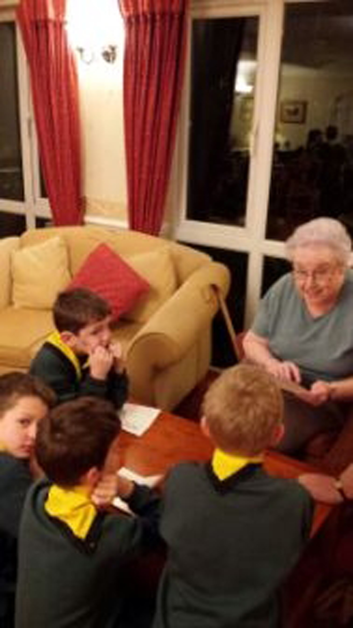 Cubs and residents enjoyed sharing an evening all about books