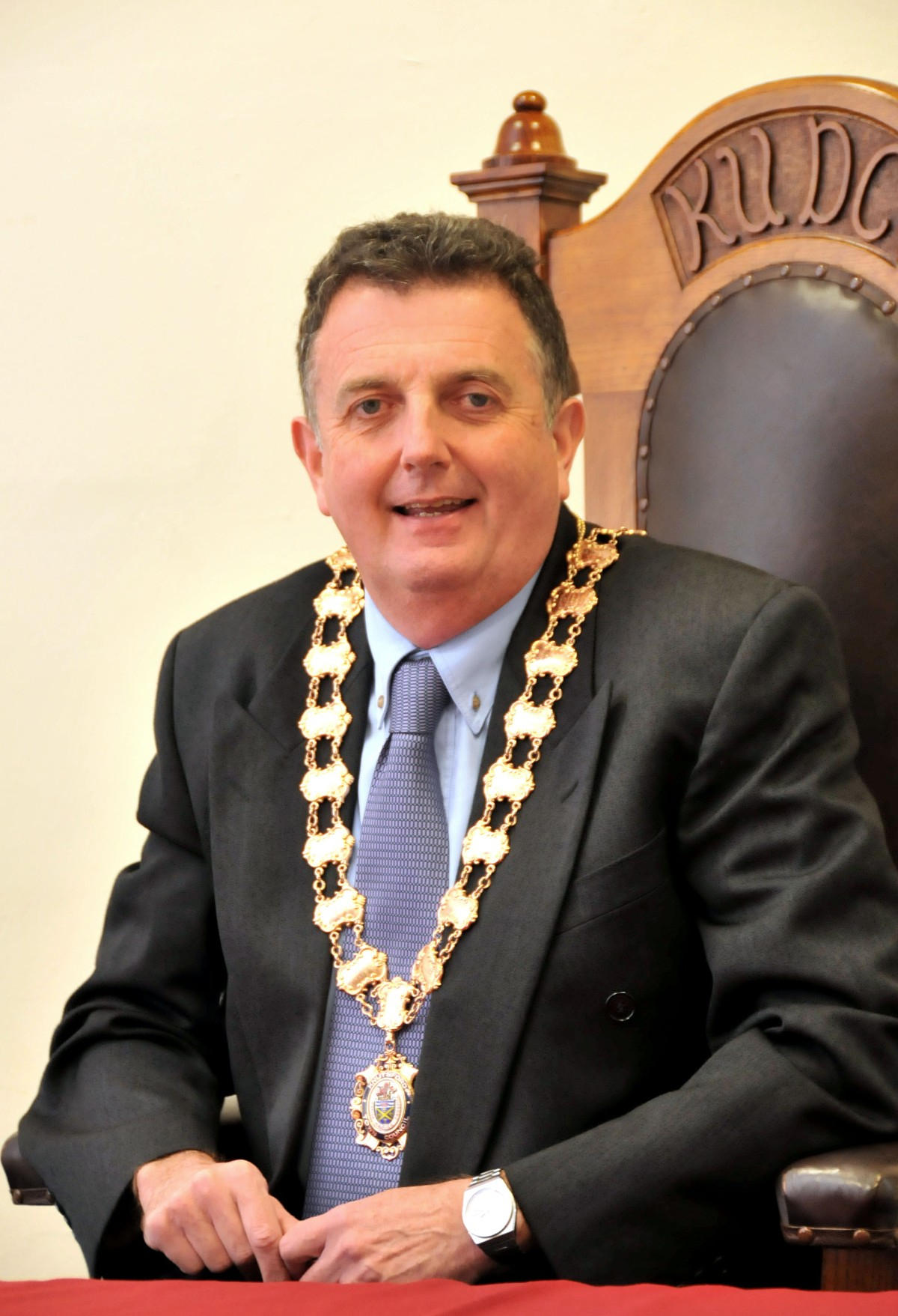 Clr Neil Forbes takes up position as Knutsford's new mayor