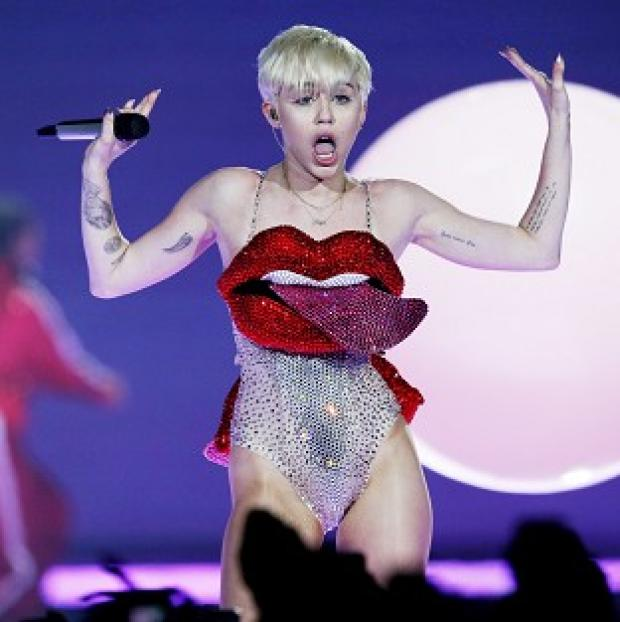 Knutsford Guardian: Miley Cyrus has denied she told a vomiting Jennifer Lawrence to pull herself together