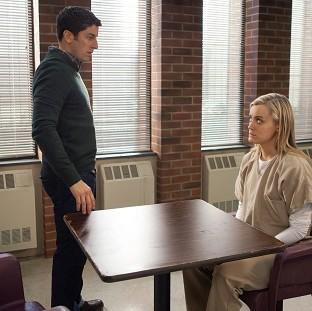 Jason Biggs plays a struggling writer in Orange Is The New Black