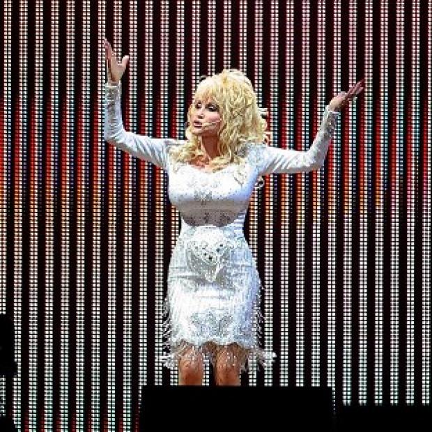 Knutsford Guardian: Dolly Parton will take to the Glastonbury stage