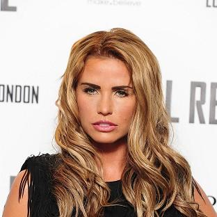 Katie Price reportedly held Kieran Hayler's hand while giving birth