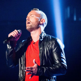 "The Voice contestant Kevin Simm, who has said he will not let ""negative thoughts"" affect his performance during Saturday's first live show."