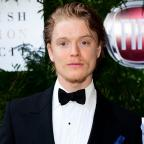 Knutsford Guardian: Freddie Fox steps in for injured Richard Madden in Romeo And Juliet