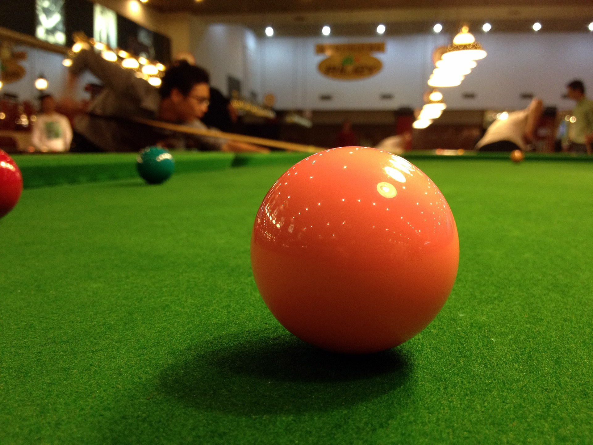 Mobberley A have established a lead worth 12 points at the Knutsford and District Amateur Snooker League's summit following a seventh successive victory last week