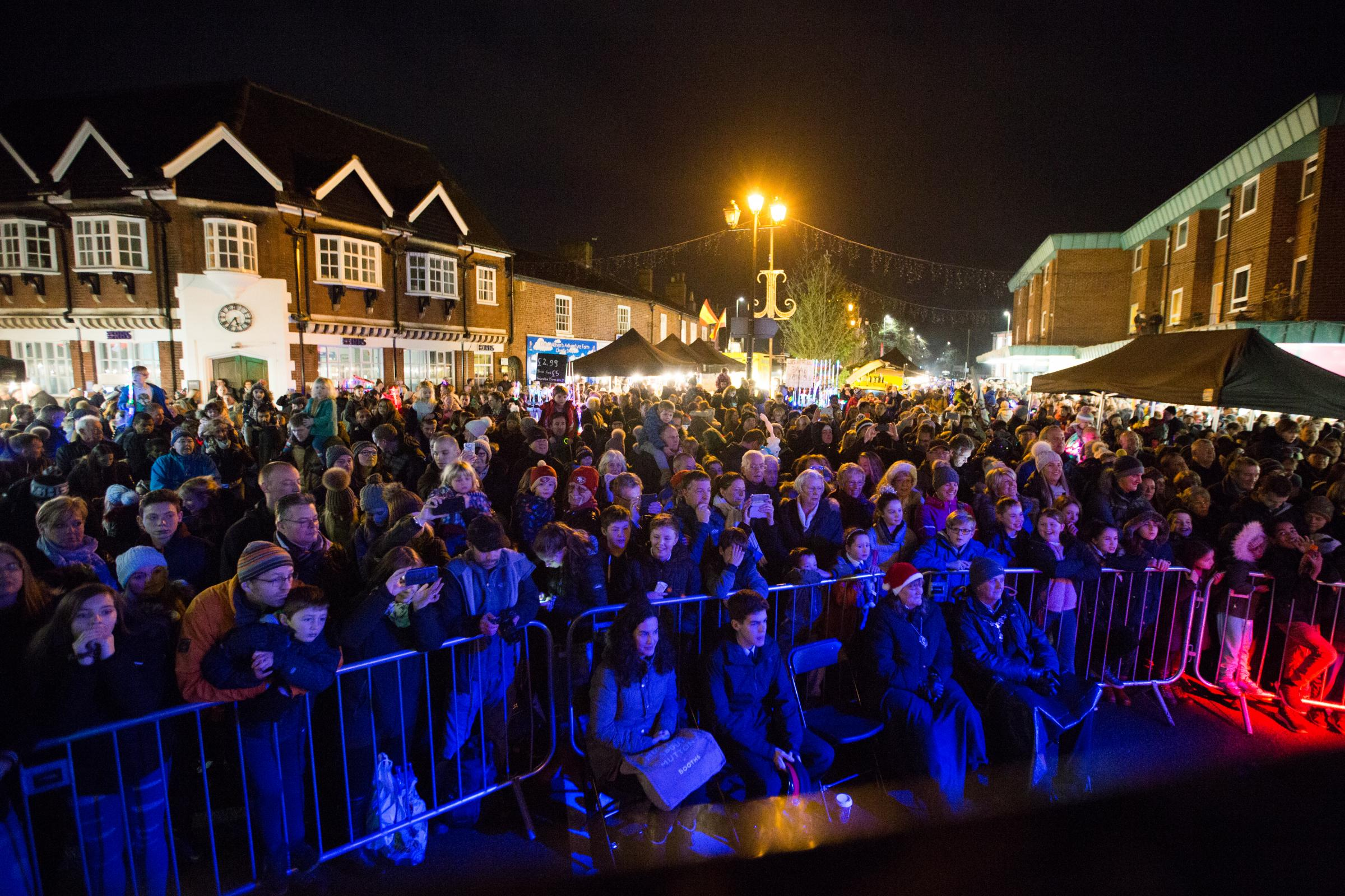 'Tis the season to be jolly as Christmas comes to Knutsford with bumper market and lights switch-on