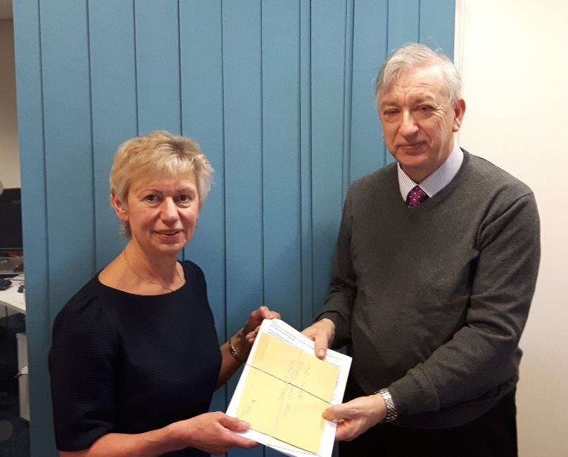 Stuart Gammon presents the petition to Cllr Rachel Bailey