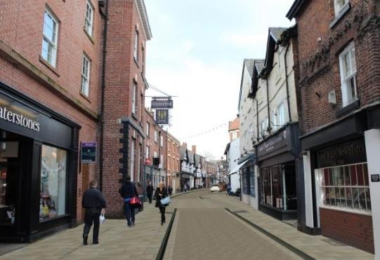 Cllr Tony Dean says King Street in Knutsford is now 'like a desert'