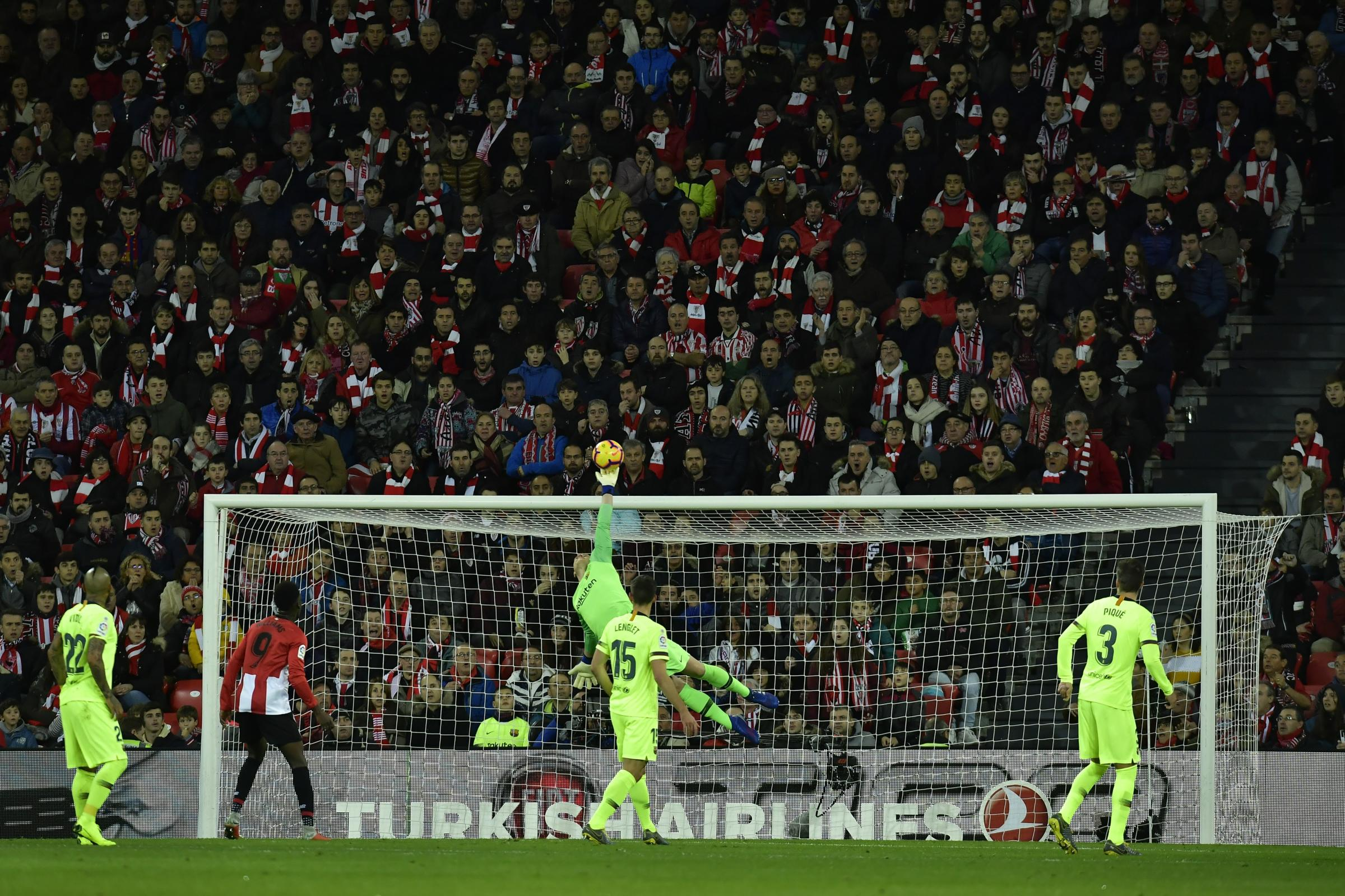 Barcelona keeper Marc-Andre ter Stegen saves from Athletic Bilbao's Markel Susaeta