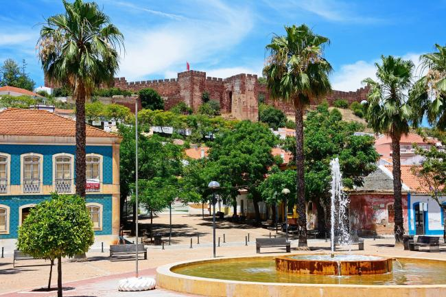 The castle and Praca al Mutamid in Silves
